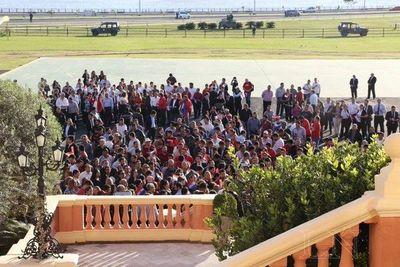 Funcionarios del Estado se unen a movilización en favor de Mario Abdo