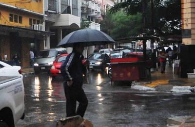 Precipitaciones continuarán este martes