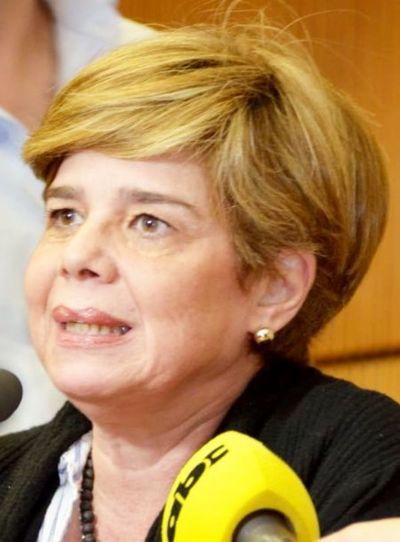 Senadora Masi defiende modificación de ley de adopción