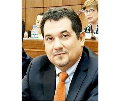 Senador pide respaldo a nuevo ministro del Interior