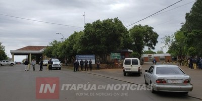 POLICÍA GARANTIZA TRÁNSITO SOBRE PUENTE SAN ROQUE GONZÁLEZ