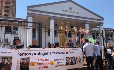 HOY / Disponen protección a jueces que liberaron a expolicía que violó a su hijastra