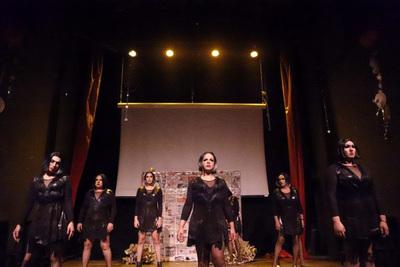 """El """"Cabaret Trans"""" regresa con una nueva función a La Manzana"""
