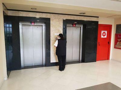 """Reservar ascensores exclusivos """"es innecesario"""", dicen algunos diputados"""