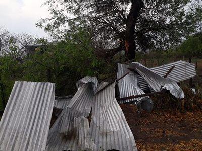 Autoridades de Bahía Negra piden ayuda para reconstrucción de hogares