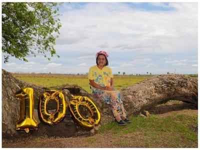 Le hacen una sesión de fotos a abuelita  por sus 100 AÑOS