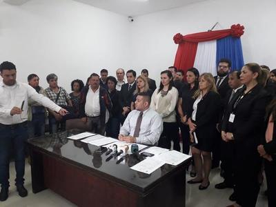 """Godoy trata de """"haragán y maltratador"""" a defensor adjunto tras pedir juicio político"""