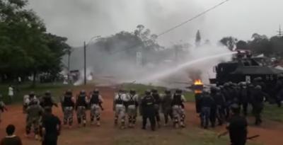 HOY / La era Euclides de Policía  se 'inaugura' con represión  en Amambay y Caaguazú