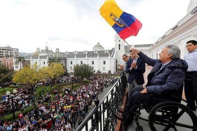 Presidente de Ecuador restablece su Gobierno en Quito tras cesar protestas