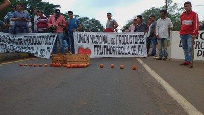 Liberación de detenidos y salida de comandante de Armada, pedidos de tomateros de Caaguazú
