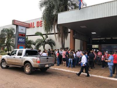 Intendente de CDE defiende la terminal de ómnibus