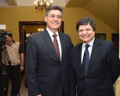 Ejecutivo nombra a asesor geopolítico acusado por coima