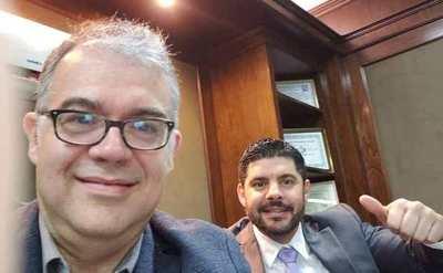 Julio Ullón, salió del Gabinete Civil por la puerta de atrás y ahora reasume como concejal