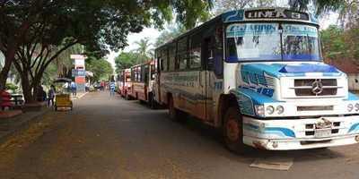 Transportistas cierran acceso a la terminal de ómnibus