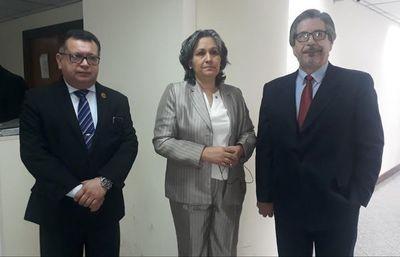 """Liberación de expolicía condenado por abuso es una """"aberración  jurídica"""", dice abogada"""