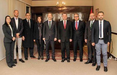 Fortalecimiento de procesos electorales: Presidente del TSJE recibió a representantes de la Unión Europea e IDEA Internacional