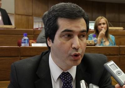Filizzola defiende al gobierno uruguayo ante críticas por el refugio y posterior fuga de Arrom y Martí