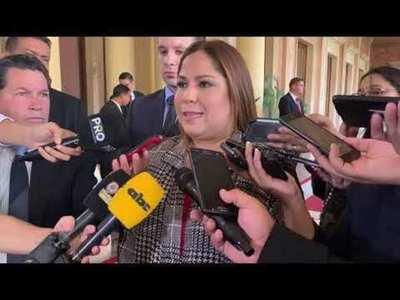 Frente Guasu a favor de investigar gestión de Patricia Samudio al frente de Petropar