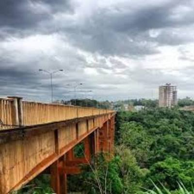 Joven intenta sacarse la vida tirándose del un puente Costa Cavalcanti