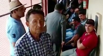 Detienen a 25 productores por cerrar la ruta para manifestarse