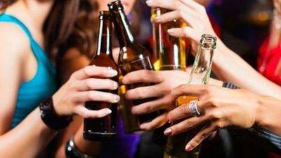 Fiesta estudiantil: campaña para evitar ventas de bebidas alcohólicas