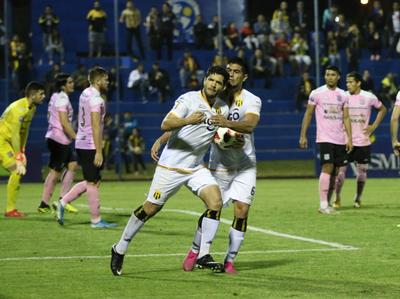 El Cacique se mete a semifinales a base de remontada