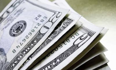 HOY / Dólar sobrepasa el techo histórico