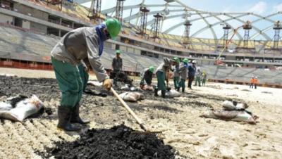 HOY / Catar termina con sistema de tutela de trabajadores antes de Mundial 2022