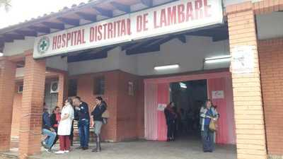 Continúan las protestas en el Hospital de Lambaré por supuestas irregularidades