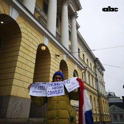 Una paraguaya exige justicia en Finlandia