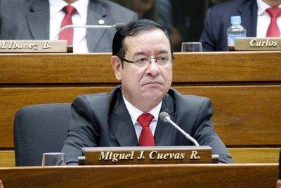 """En su feudo y ante un sonriente Abdo el diputado Cuevas admite: """"Sentimos los beneficios del gobierno"""""""