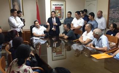 Intendente de CDE coordina censo y ajuste de contrato con mesiteros