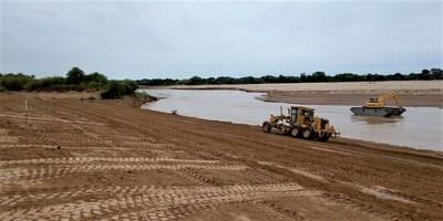 Técnicos verifican tareas realizadas en zonas del Río Pilcomayo