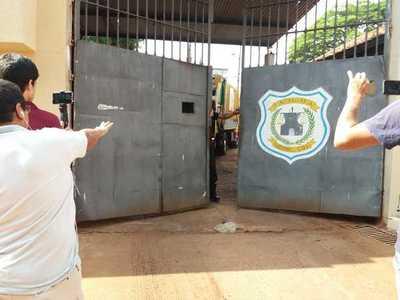 Allanan penitenciaría regional para detener a su director y llevarlo a San Pedro