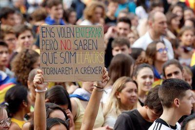 Protestas y huelga independentista en Barcelona, tras cuatro noches de violencia