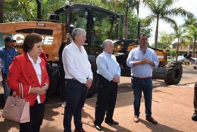 Compran dos equipos viales para Gobernación de Caazapá