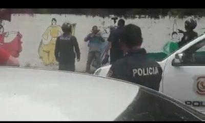 Policía detiene a indígena que amenazaba con dos machetes