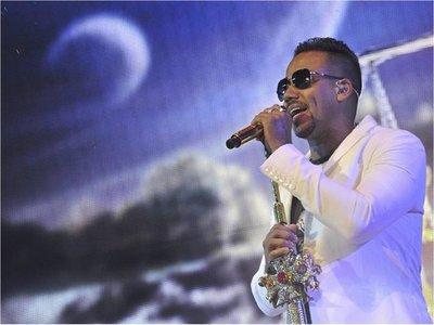 Romeo Santos bate récords Guinness por la venta de álbumes tropicales