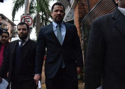 Fiscalía amplia imputación contra Ulises Quintana por lavado de dinero