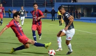 Con Bernay en el banco, Cerro Porteño recibe a San Lorenzo en Sajonia
