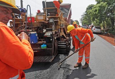 Avanza el asfaltado que beneficiará a 25.000 personas en Alto Paraná