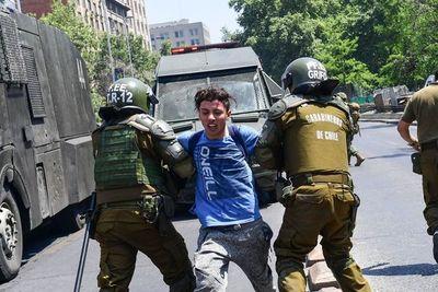 El peor estallido social en democracia en Chile no cede y deja dos muertos