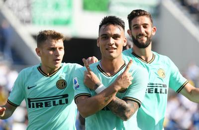 Inter gana en Sassuolo y mira de lejos al Milan en la Serie A