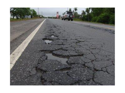 Acceso Sur es trampa mortal por tramos fisurados y falta de acera