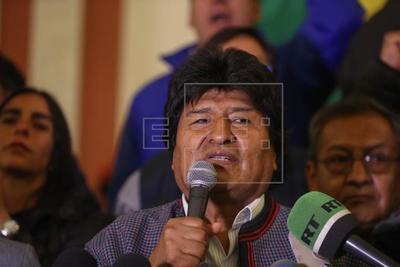 Los comicios en Bolivia abren una posible segunda vuelta entre Morales y Mesa