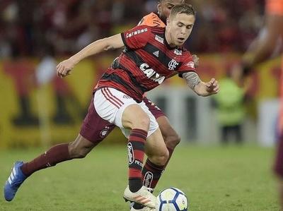 HOY / Flamengo gana el clásico carioca y saca 10 puntos de ventaja