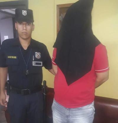 Quiso robar perfumes de su trabajo y terminó preso