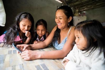 En Paraguay las mujeres componen el 50% del mercado laboral pero con desigualdades en el ingreso