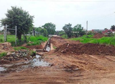 Denuncian excesiva demora de obra municipal en Horqueta