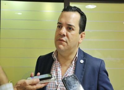 Fiscalía reanuda caso Friedmann y recaba informe en Contraloría